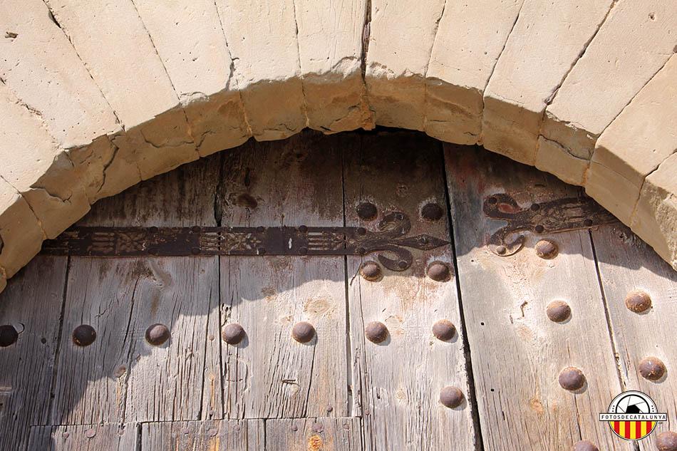 Castell de Montcortès. Detall del forjat de la porta principal