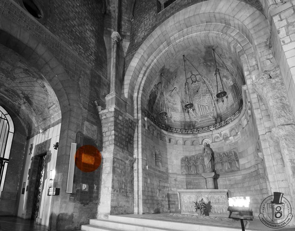 Sant Pere de les Puelles. Situació de la làpida de l'abadessa València