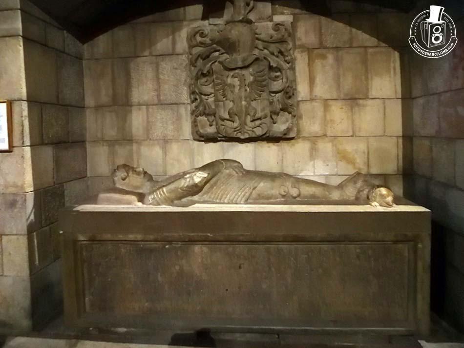 Església de Santa Anna de Barcelona. Sepulcre del segle XVI, del cavaller Miquel de Boera