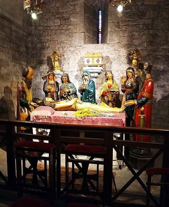 Església de Santa Anna de Barcelona. Reproducció del grup escultòric del Sant Enterrament