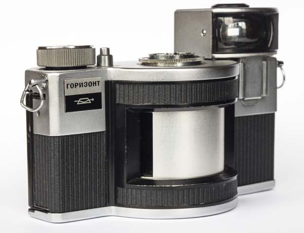 Cámara Horizon fabricada por la empresa soviética KMZ entre 1967 y 1973 es un buen ejemplo de cilindrógrafo moderno.
