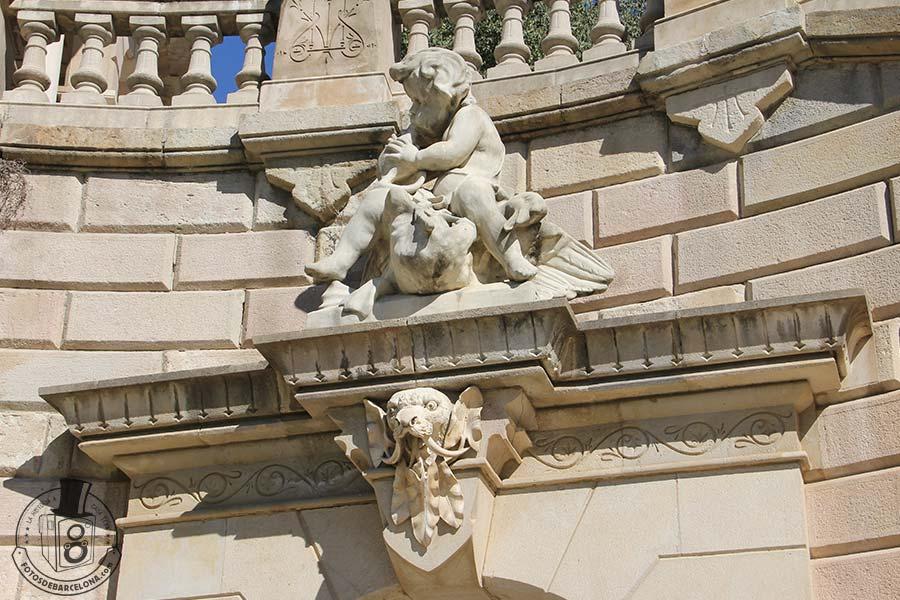La Cascada mitologica del Parc de la Ciutadella de Barcelona. Nen. fotosdebarcelona.com